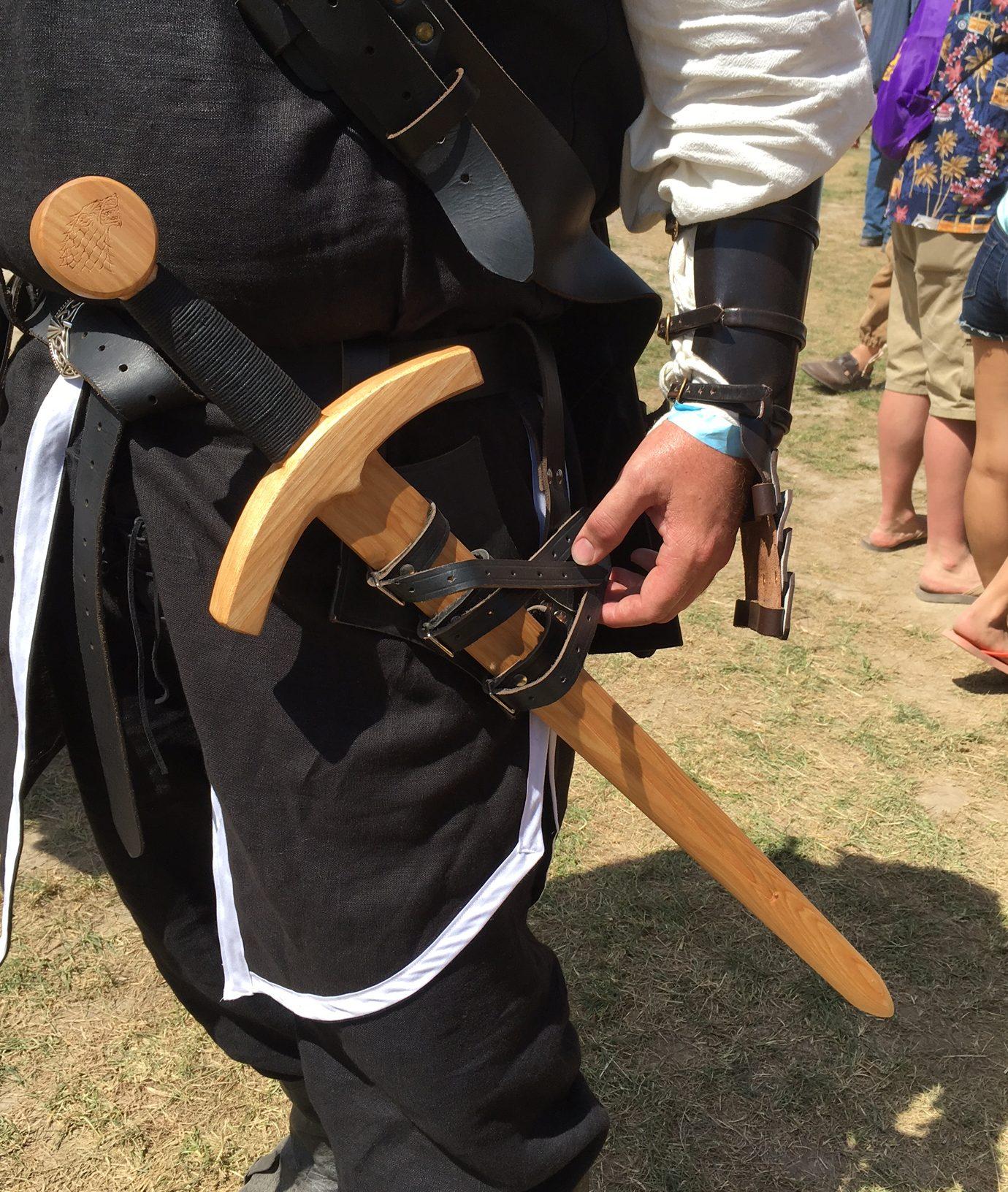 Arming Sword - Hickory Arms